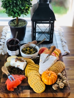 Fall charcuterie board idea 18